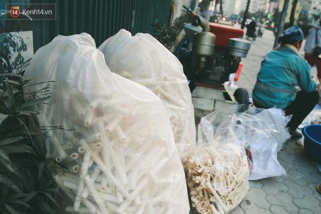 Bỏng gậy - Món quà quê dân dã của người Việt lại gây thích thú trên blog ẩm thực nước ngoài - Ảnh 14.