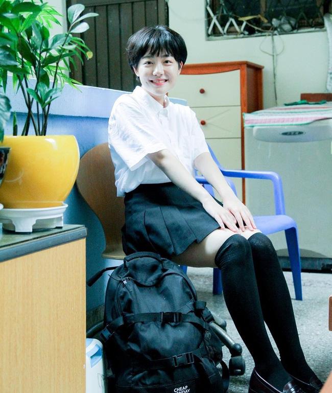 Cô bạn Hàn Quốc với nụ cười má lúm làm xiêu lòng mọi chàng trai - Ảnh 13.