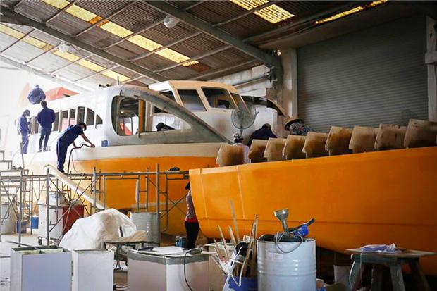 Cận cảnh bến buýt đường sông đầu tiên ở Sài Gòn sẽ hạ thủy vào tháng 9 - Ảnh 13.