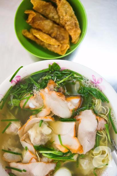 Có một tiệm mì vằn thắn gia truyền 3 đời, ăn là nghiện, không thử là thiệt ở Hà Nội, bạn đã biết chưa? - Ảnh 13.