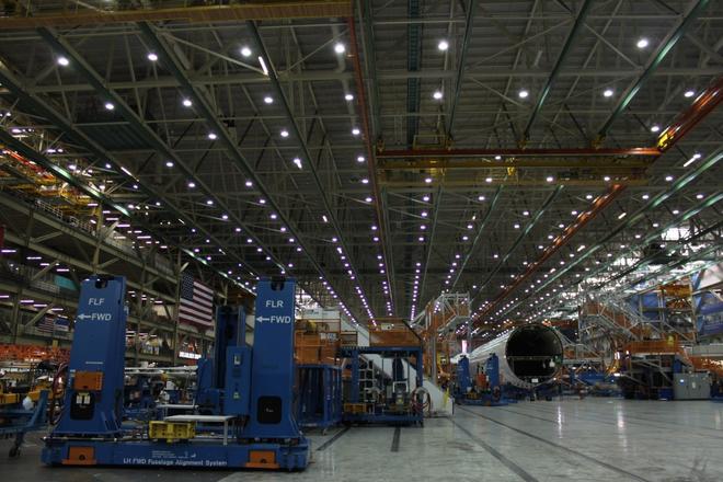 Dạo một vòng quanh nhà máy sản xuất máy bay lớn nhất của Boeing - Ảnh 14.