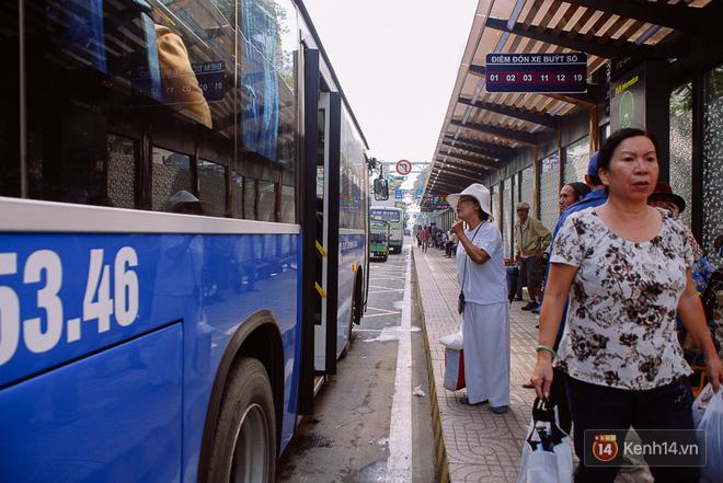 """Cận cảnh trạm xe buýt 8,5 tỷ đồng, """"sang chảnh"""" nhất trung tâm Sài Gòn và có nhà vệ sinh thông minh - Ảnh 14."""