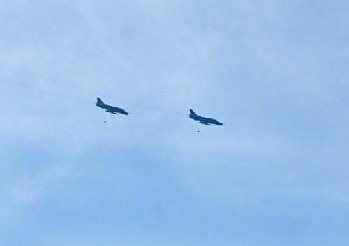 Sư đoàn Không quân 370 thực hành diễn tập bắn đạn thật - Ảnh 15.
