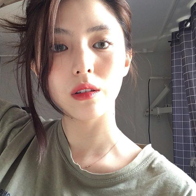 Vẻ ngoài vừa ngọt ngào, vừa cá tính của cô bạn Hàn Quốc từng góp mặt trong MV Tell Me What To Do (SHINee) - Ảnh 16.