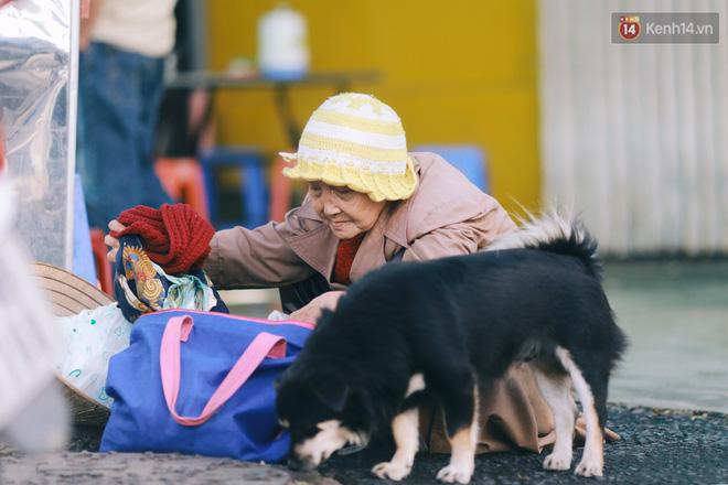 Hồng nhan thời trẻ nhưng về già chẳng chồng con, cụ bà 83 tuổi bầu bạn với thú hoang nơi phố núi Đà Lạt - Ảnh 16.
