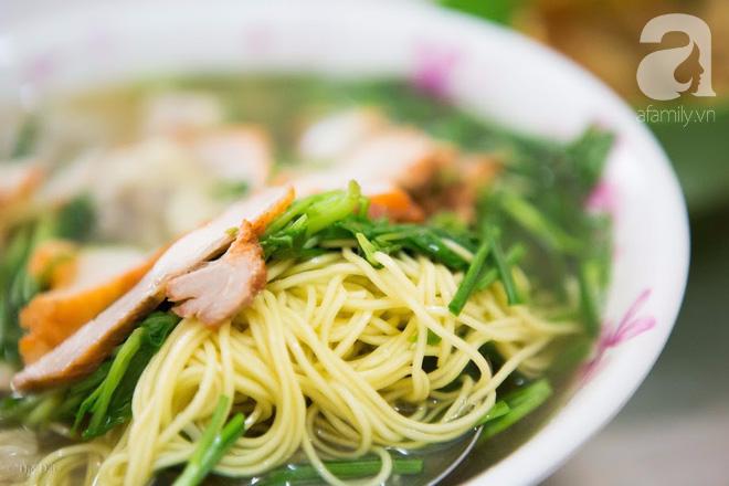 Có một tiệm mì vằn thắn gia truyền 3 đời, ăn là nghiện, không thử là thiệt ở Hà Nội, bạn đã biết chưa? - Ảnh 15.