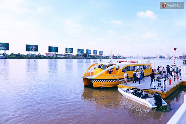 Cận cảnh bến buýt đường sông hiện đại như ở nước ngoài nằm ngay trung tâm Sài Gòn - Ảnh 15.