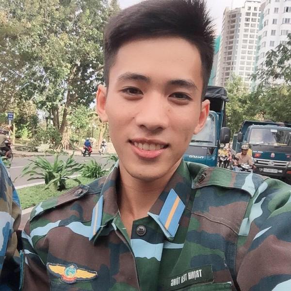 Ai nói sinh viên trường Quân đội không đẹp là chưa gặp 3 chàng lính cực kỳ điển trai này rồi! - Ảnh 15.