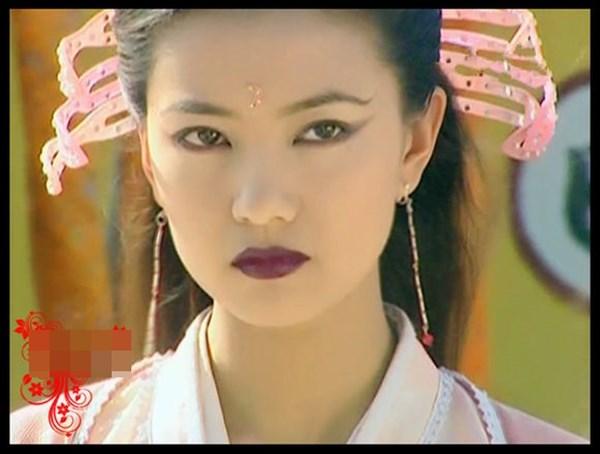Phiên bản thiên thần và ác quỷ của người đẹp Hoa ngữ - Ảnh 16.