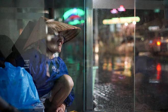 Những bức ảnh tuyệt đẹp này sẽ khiến bạn nhận ra, trong mưa, cuộc đời vẫn dịu dàng đến thế - Ảnh 16.
