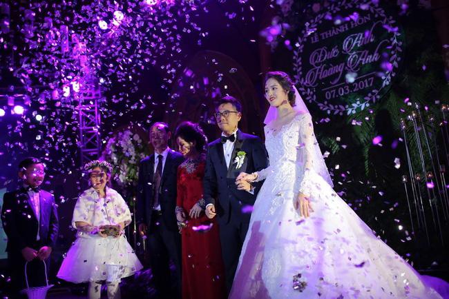 Á hậu Hoàng Anh rạng rỡ với váy trắng tinh khôi trong tiệc cưới - Ảnh 17.