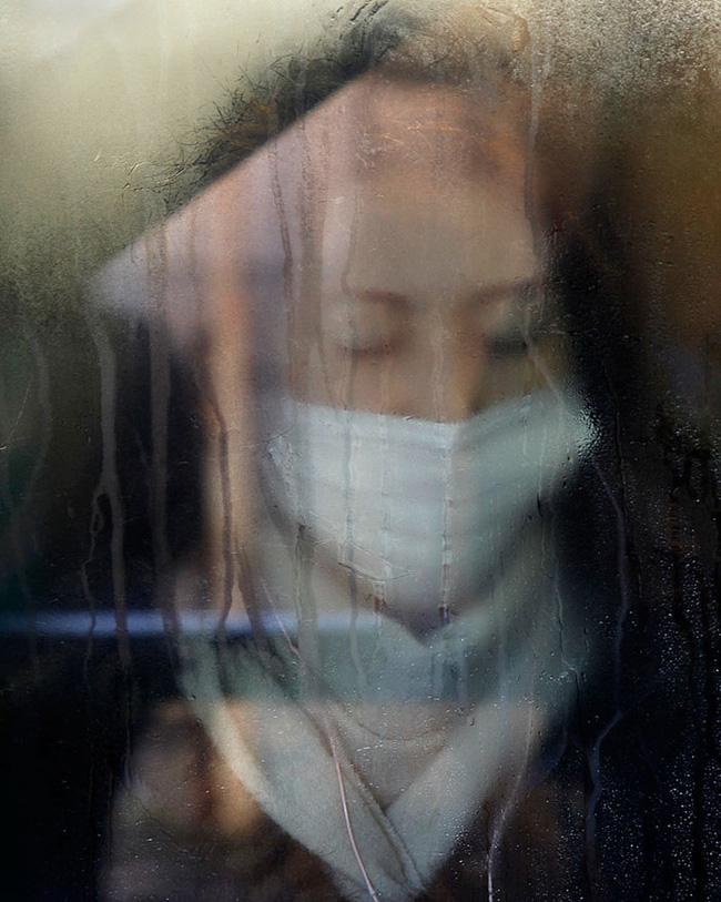 Nỗi chán chường và mệt nhoài với cuộc sống chất đầy chuyến tàu điện Nhật Bản - Ảnh 17.