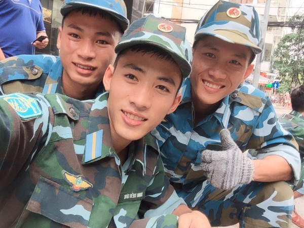 Ai nói sinh viên trường Quân đội không đẹp là chưa gặp 3 chàng lính cực kỳ điển trai này rồi! - Ảnh 17.