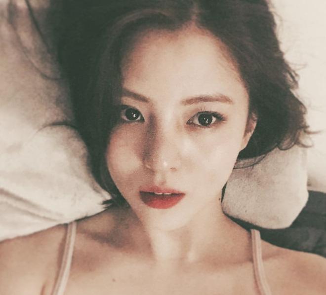 Vẻ ngoài vừa ngọt ngào, vừa cá tính của cô bạn Hàn Quốc từng góp mặt trong MV Tell Me What To Do (SHINee) - Ảnh 19.