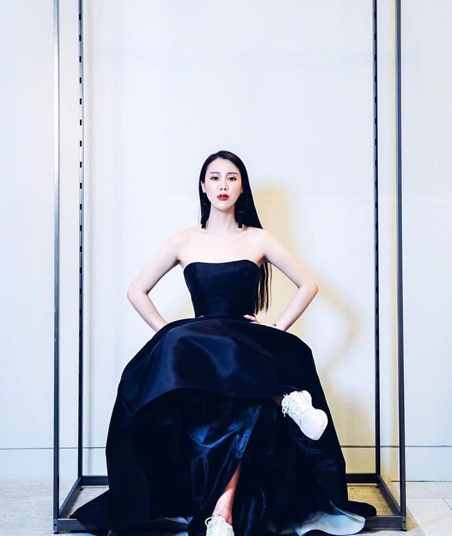 Cuộc sống xa hoa hưởng thụ của tiểu thư thuộc thế hệ siêu giàu thứ hai Trung Quốc - Ảnh 17.
