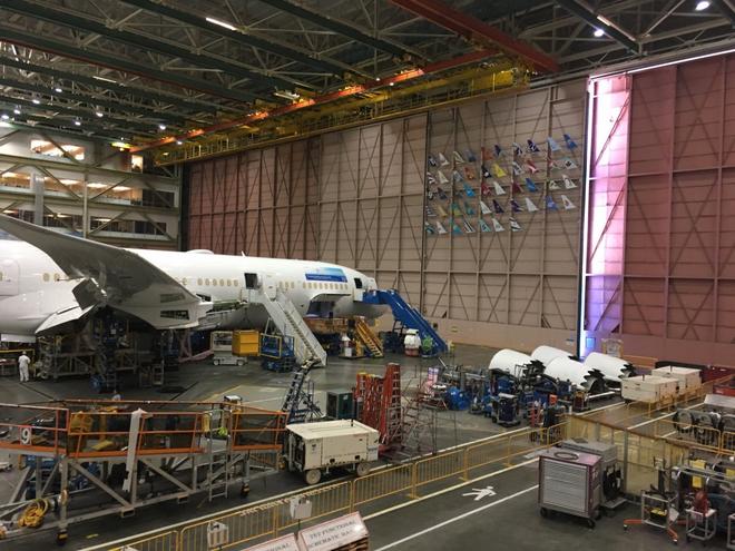 Dạo một vòng quanh nhà máy sản xuất máy bay lớn nhất của Boeing - Ảnh 18.