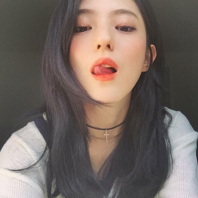 Vẻ ngoài vừa ngọt ngào, vừa cá tính của cô bạn Hàn Quốc từng góp mặt trong MV Tell Me What To Do (SHINee) - Ảnh 20.