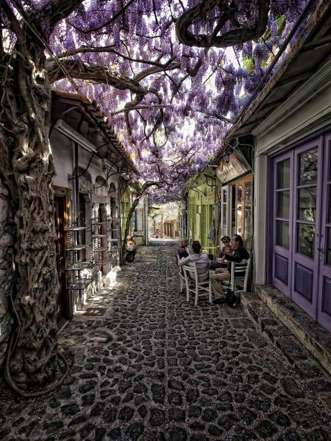 Chiêm ngưỡng vẻ đẹp cổ tích của 25 con phố rực rỡ khắp nơi trên thế giới - Ảnh 19.