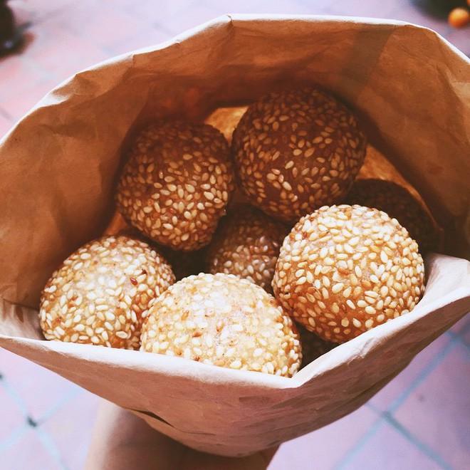 Mách bạn 4 hàng bánh rán chỉ từ 1k mà chủ hàng lúc nào cũng niềm nở, thân thiện ở Hà Nội - Ảnh 19.
