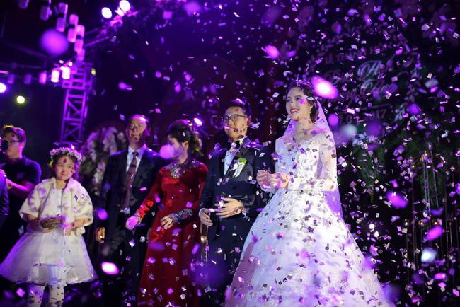 Á hậu Hoàng Anh rạng rỡ với váy trắng tinh khôi trong tiệc cưới - Ảnh 20.