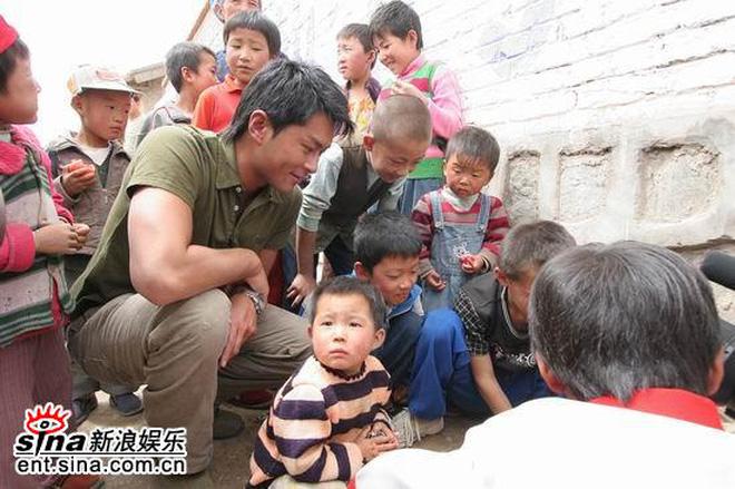 Cổ Thiên Lạc: Từ gã trộm cắp đầu đường xó chợ đến tài tử âm thầm dốc lòng đem cái chữ đến cho trẻ em vùng cao - Ảnh 20.
