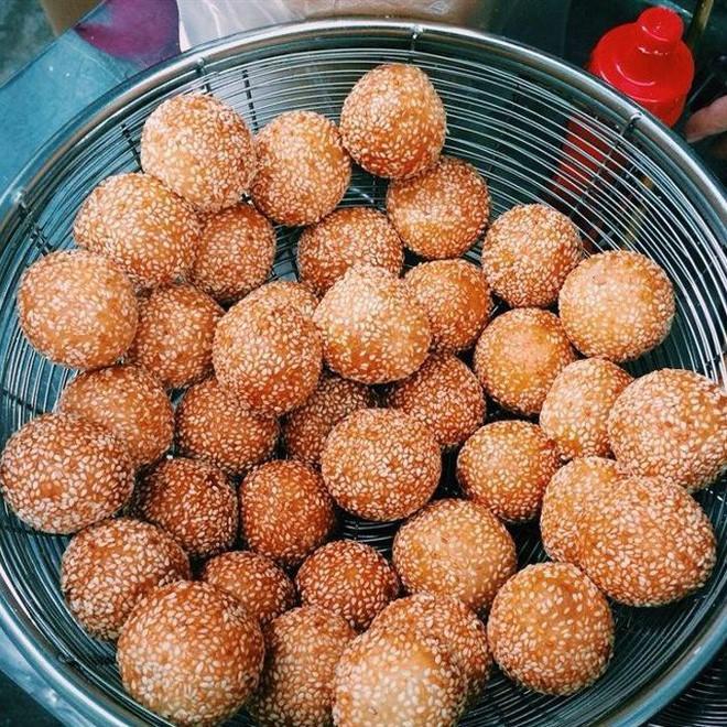 Mách bạn 4 hàng bánh rán chỉ từ 1k mà chủ hàng lúc nào cũng niềm nở, thân thiện ở Hà Nội - Ảnh 20.
