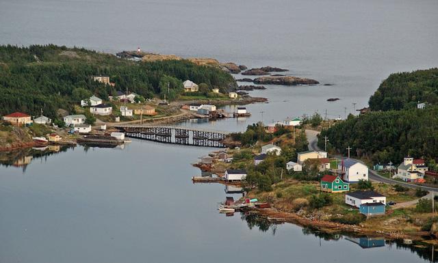 Người dân tại vùng đảo này đang được trả 189.000 USD để... bỏ nhà ra đi - Ảnh 3.