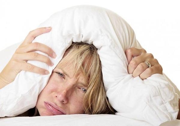 Nếu ngày nào bạn cũng tỉnh giấc vào thời điểm này trong đêm, hãy đi khám sức khỏe ngay - Ảnh 2.