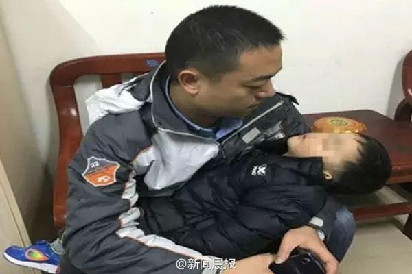 Bé trai 3 tuổi bị 1 phụ nữ bắt cóc ngay 29 Tết nhằm thế chân con trai đã chết để đi gặp người tình - Ảnh 3.