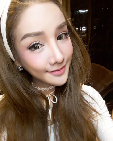 Cú lột xác ngoạn mục của cô gái Thái Lan từng bị bạn bè cười chê - Ảnh 3.