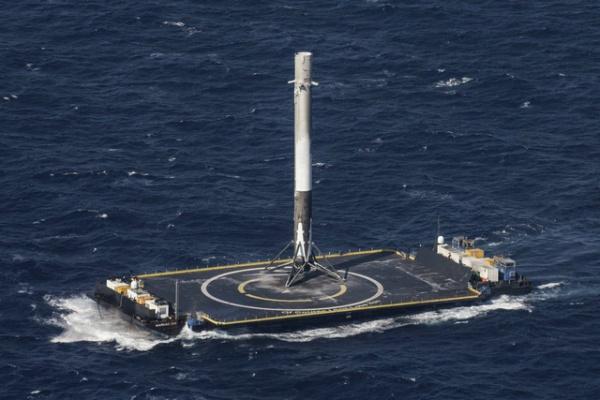 Bước ngoặt lịch sử của công nghệ vũ trụ: Phóng thành công tên lửa tái chế - Ảnh 3.