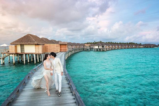Vợ của đại gia Singapore: Từ ca sĩ phòng trà đến phu nhân bước ra từ đám cưới bạc tỉ ở Maldives - Ảnh 3.