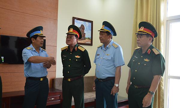 Trực thăng quân sự Trung đoàn 917 chính thức chuyển từ Tân Sơn Nhất về Cần Thơ - Ảnh 1.