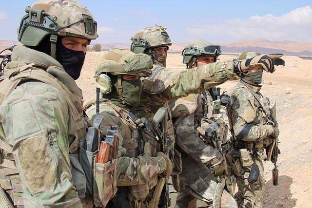 16 đặc nhiệm Nga đánh bại 300 phiến quân Syria: Ông Putin đích thân ban thưởng - Ảnh 2.