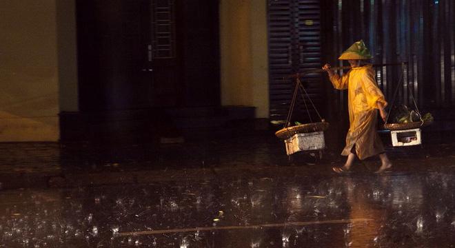 Những bức ảnh tuyệt đẹp này sẽ khiến bạn nhận ra, trong mưa, cuộc đời vẫn dịu dàng đến thế - Ảnh 3.