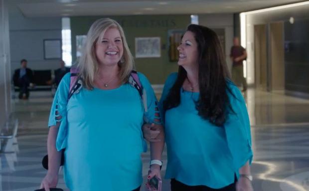 Nhờ một cú nhấp chuột tình cờ, mẹ và con gái thất lạc 43 năm đã tìm được nhau trong hạnh phúc ngập tràn - Ảnh 3.