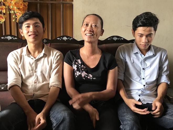 Ba anh em sinh 3 cùng đậu vào một khoa của   trường Sĩ quan Thông tin - Ảnh 3.