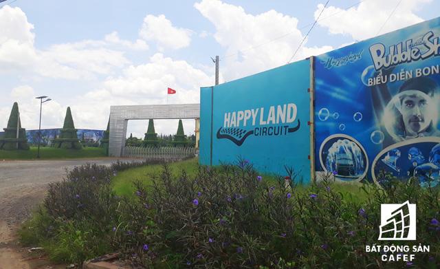 Cận cảnh Happyland – siêu dự án 2 tỷ USD hoang vu tại Long An  - Ảnh 3.