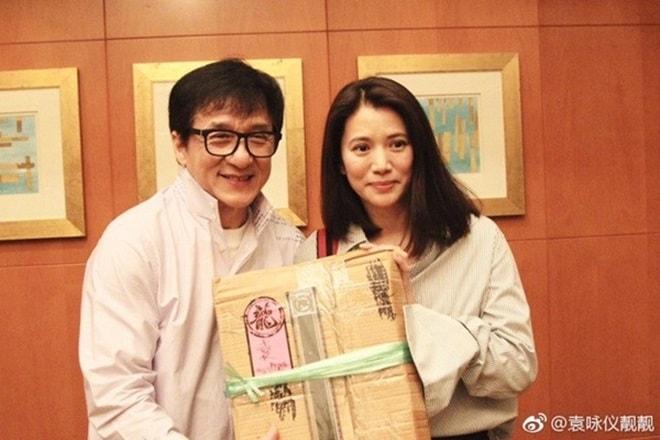 Hơn 20 năm chèn ép một Hoa hậu, Thành Long mới ngộ ra bài học về báo thù, rửa hận - Ảnh 2.