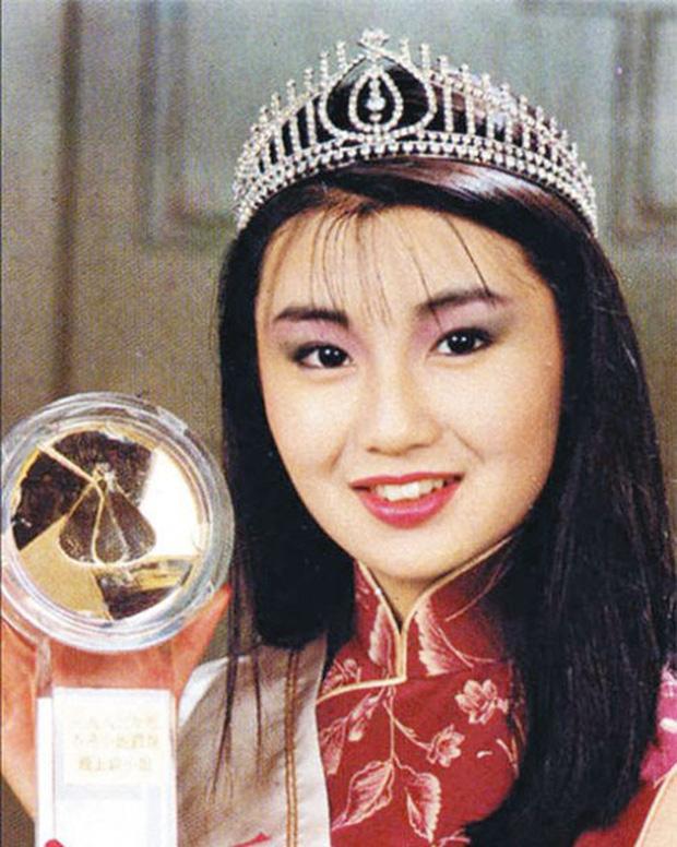 Hơn 30 năm qua, các thế hệ Hoa hậu Hồng Kông dần tuột sắc đến thảm hại - Ảnh 3.