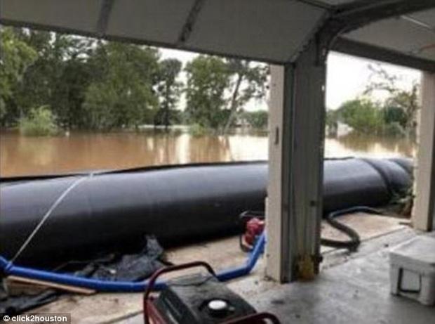 Mỹ: Ngôi nhà ở Houston vẫn sừng sững khô ráo giữa trận lũ lịch sử Harvey nhờ hệ thống đập tự xây giá 18.000 USD - Ảnh 3.