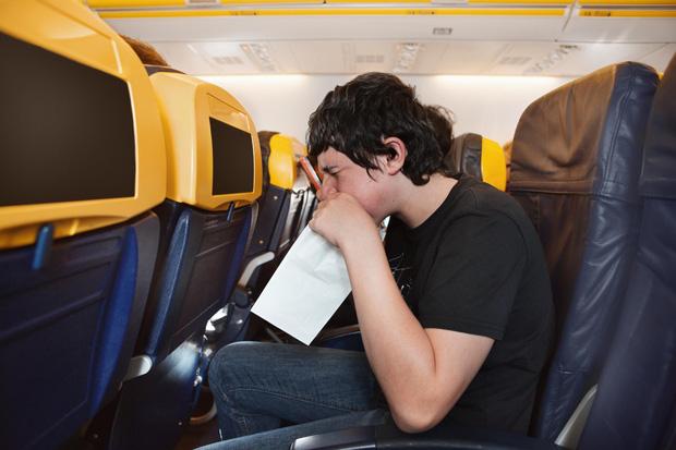 Đi máy bay, tuyệt đối đừng ngủ khi cất cánh và hạ cánh! Đây là lý do - Ảnh 3.