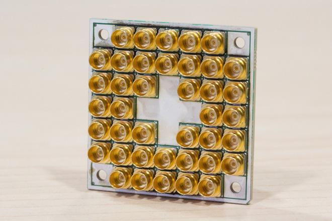 Intel đã bắt đầu sản xuất chip lượng tử 17 qubit, chính thức bước vào cuộc đua lượng tử - Ảnh 2.