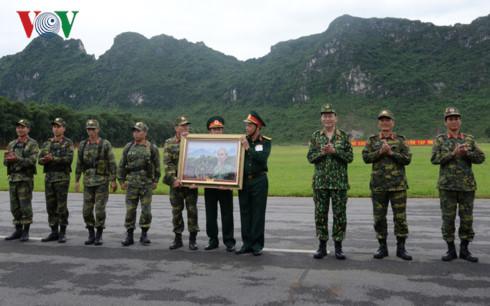 Chủ tịch nước Trần Đại Quang thăm, làm việc với Bộ Quốc phòng - Ảnh 3.