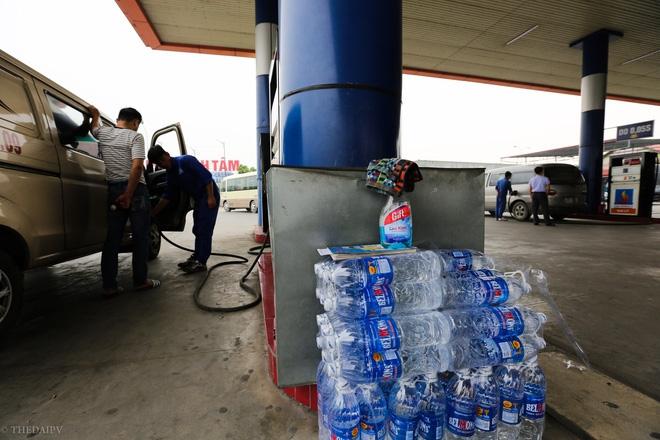 Cây xăng Việt đã cúi chào, tặng nước miễn phí cho khách trước cả khi cây xăng Nhật đến Hà Nội - Ảnh 3.
