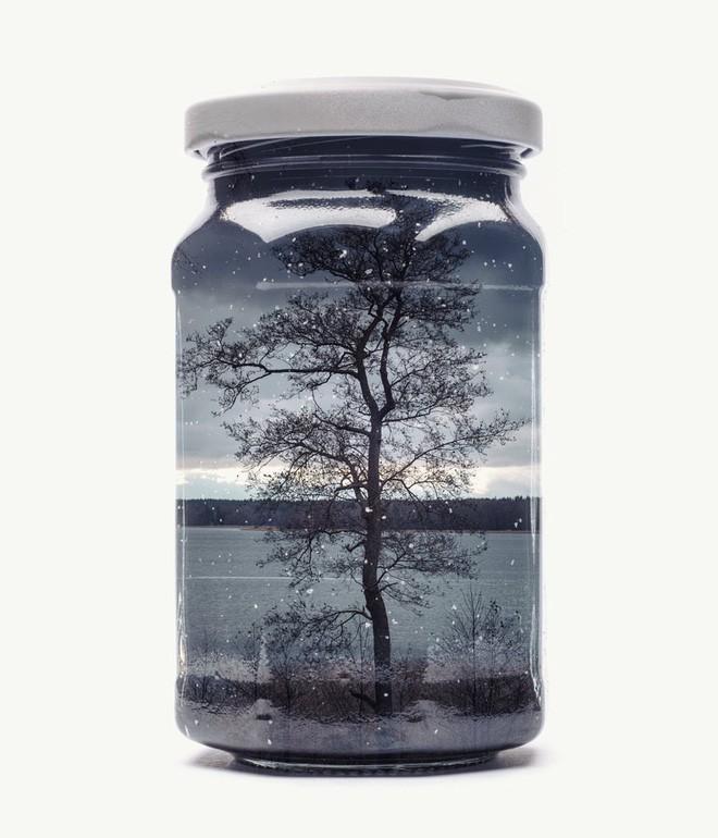 Chiêm ngưỡng bộ ảnh Gom cả thế gian vào lọ thủy tinh của nhiếp ảnh gia Christoffer Relander - Ảnh 3.
