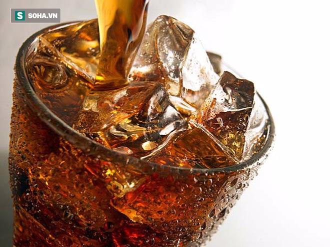 Điều tồi tệ này có thể xảy ra với cơ thể nếu uống nhiều hơn 2 lon nước giải khát mỗi tuần - Ảnh 2.