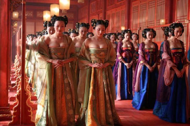 Sự thật sau cánh cửa hoàng cung xưa: Cung nữ ngủ không được ngửa mặt, bỏ trôi thanh xuân trong cảnh lạnh lùng - Ảnh 3.