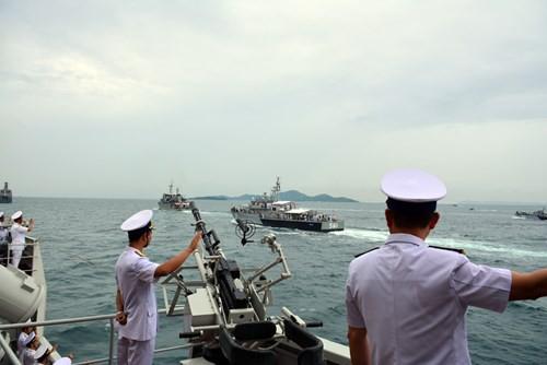 Tàu 012 - Lý Thái Tổ tham gia Duyệt binh tàu quốc tế 2017 - Ảnh 3.