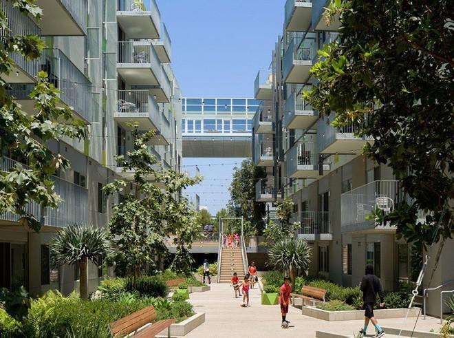 Bên trong tổ hợp căn hộ siêu hoành tráng dành cho người vô gia cư làm từ container tại Los Angeles - Ảnh 3.